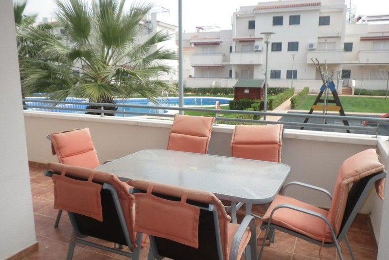 Terraza de un apartamento de dos dormitorios en Alcossebre
