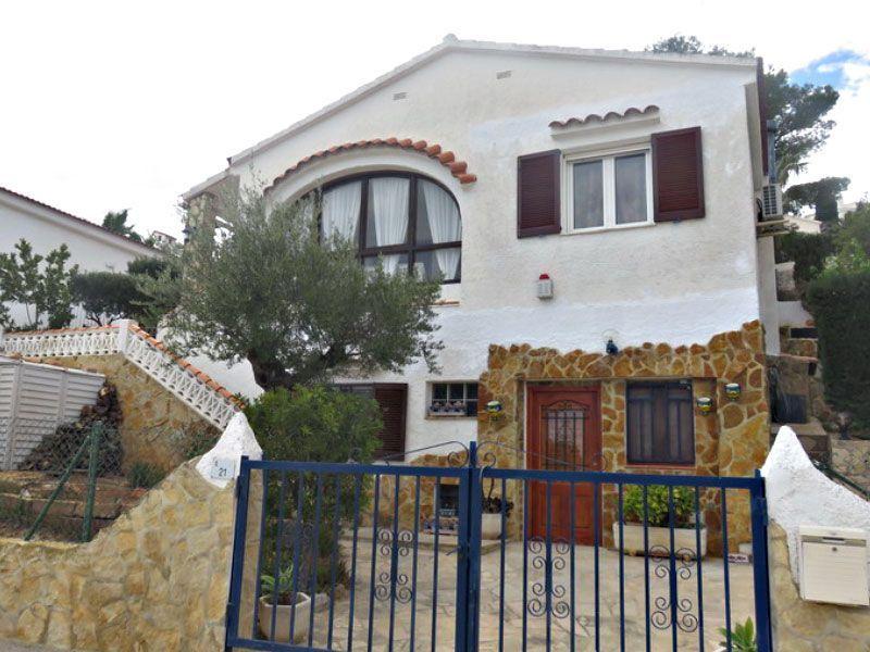 Venta de adosados y chalets chalet en venta de dos dormitorios en Alcossebre