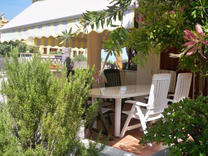 Alquiler de chalets y adosados en AlcocebreTerraza de un chalet en venta de cuatro dormitorios en Alcossebre