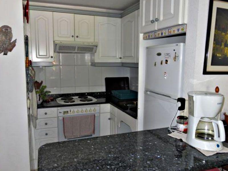 cocina de un apartamento tipo dúplex en Alcossebre - Inmobiliaria ...