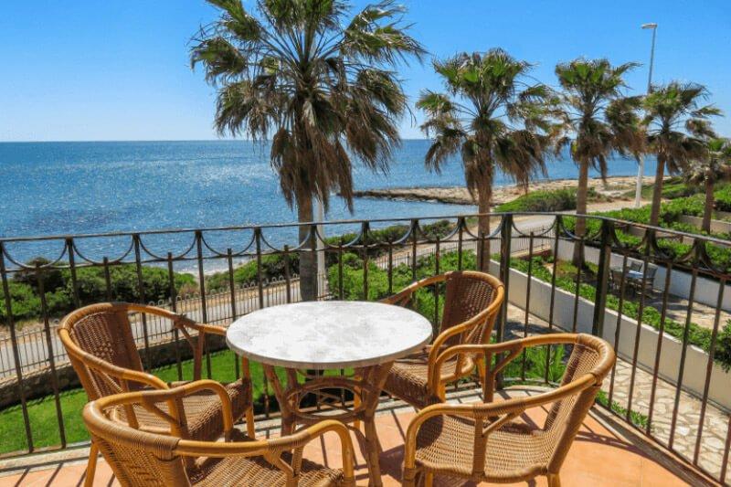 Alquiler y venta de apartamentos en Playa del Moro